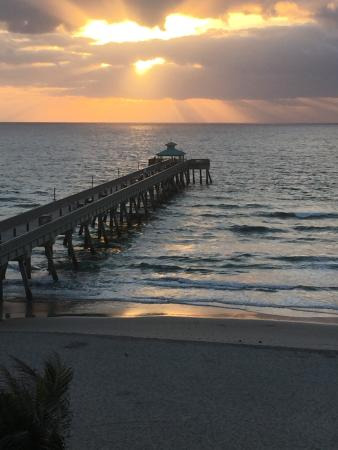 Wyndham Deerfield Beach Resort: Sunrise view from Room 503