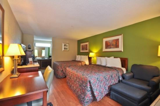 Country Hearth Inn & Suites Marietta: Deluxe Double