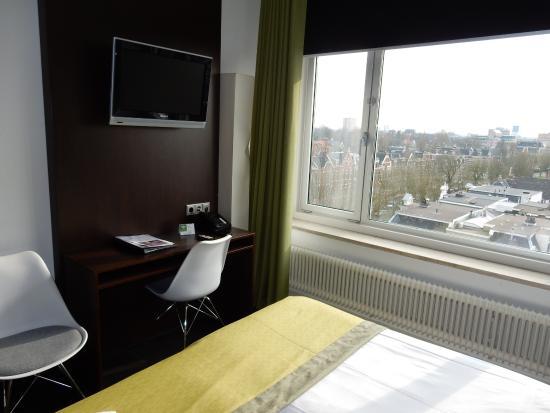 Tv Voor De Slaapkamer.Zitje En Tv Op Slaapkamer Foto Van Best Western Hotel Groningen