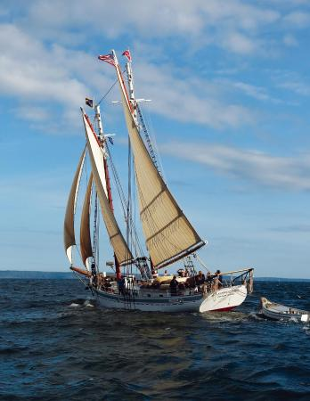 ‪Maine DaySail and the Schooner Timberwind‬