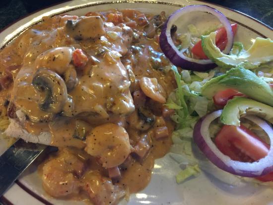 Mama Juanitas : crawfish enchiladas