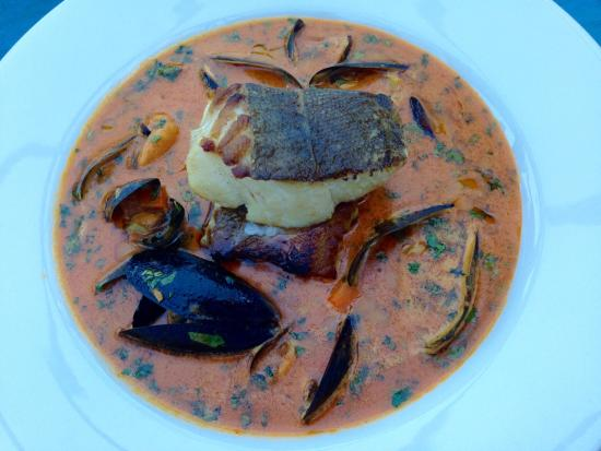Blackwaterfoot, UK: Pan seared cod with curry of mussels