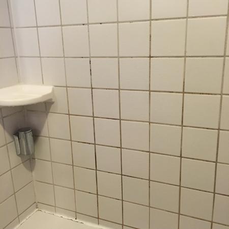 Mayville, Wisconsin: Bathroom details