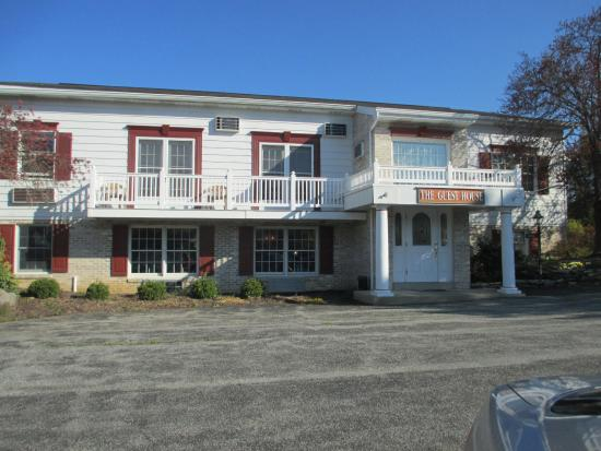 elizabethtown west ridge guest house: