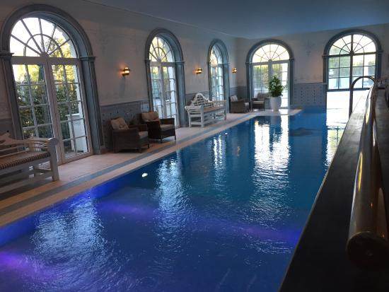 Indoor swimming pool - piscine intérieure - Picture of Hotel ...
