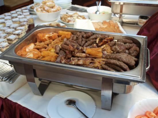 Karlovac, Croacia: Food table