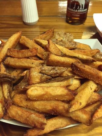 Bellingham, MA: Best fries I ever had
