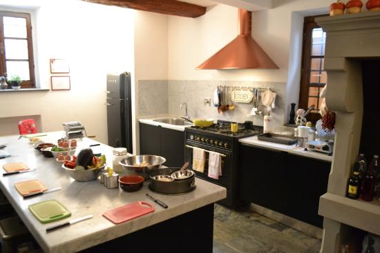 Barberino Val d'Elsa, İtalya: Kitchen for cooking class