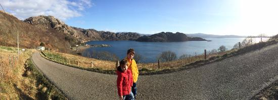 Torridon, UK: The road down to Lower Diabaig and Gille Brighde