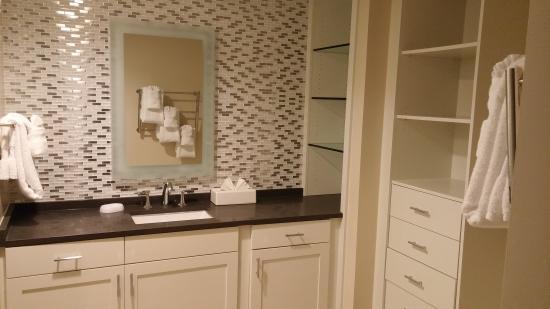 Marriott's Barony Beach Club: Bathroom