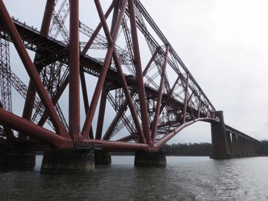 Maid of the Forth: Close up of the rail bridge