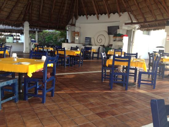 Paraiso Restaurant: Paradise Restaurant seating.