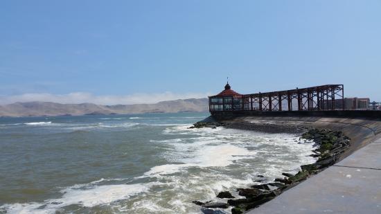 Mirador La punta, detrás isla San Lorenzo