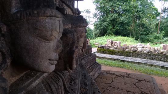 Golaghat, อินเดีย: ancient remains