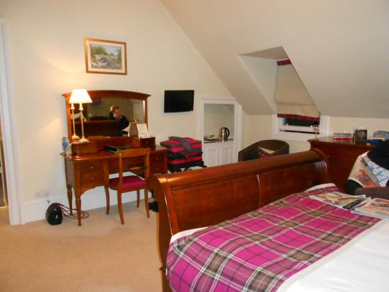 Banchory, UK: Can you spot the small TV ?