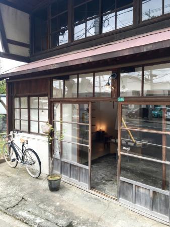 Moji Cafe