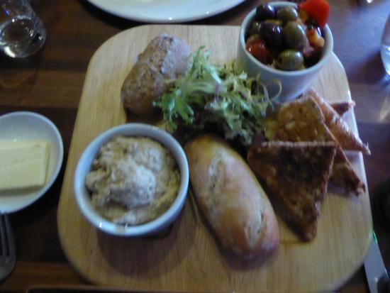 Deddington Arms Hotel: My mouthwatering starters!