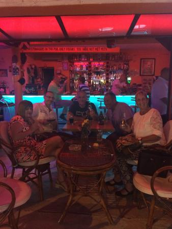Turihan Hotel: Good night in the sports bar