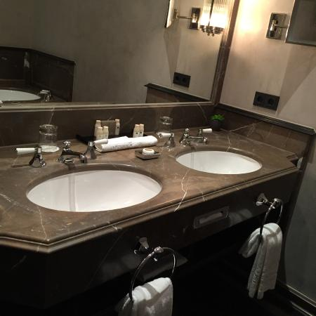 nice bathroom but the towel holders need to be moved picture of rh tripadvisor com