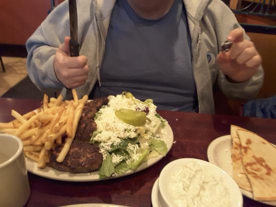 East Amherst, estado de Nueva York: Beef Teki Dinner with fries