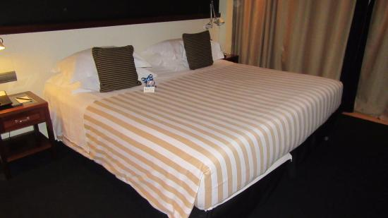 U232 Hotel: King-sized bed is really two twins shoved together