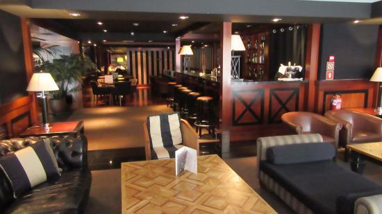 U232 Hotel: Reception area