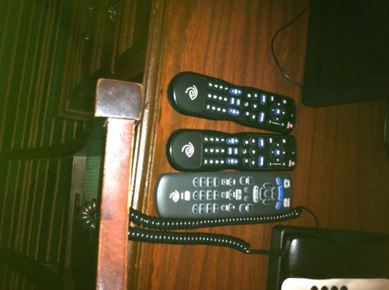 Baymont Inn & Suites Orangeburg: the 3 remotes...none of which worked the tv