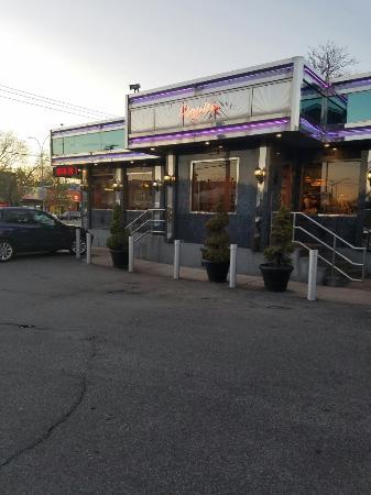 Esquire Diner Restaurant