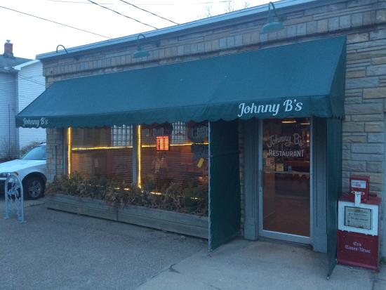 Johnny B's Restaurant: Great for local wines