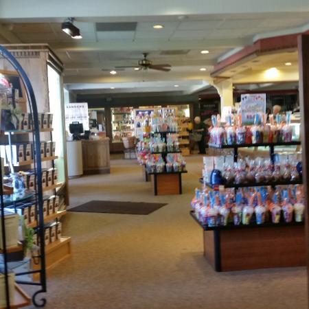 Clinton Township, MI: the store