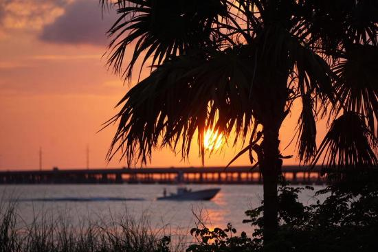Bahia Honda State Park Campgrounds: Sunset from Gulf-side beach