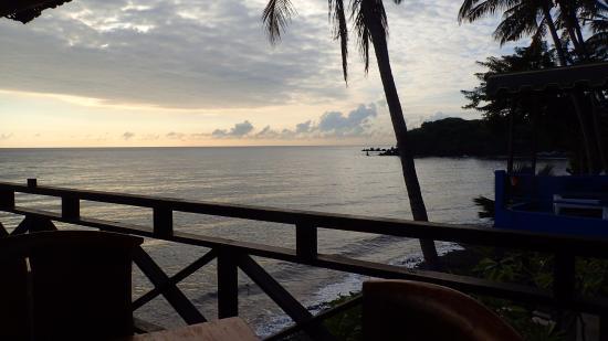 Matahari Tulamben Resort, Dive & SPA: Pre dive beach scene