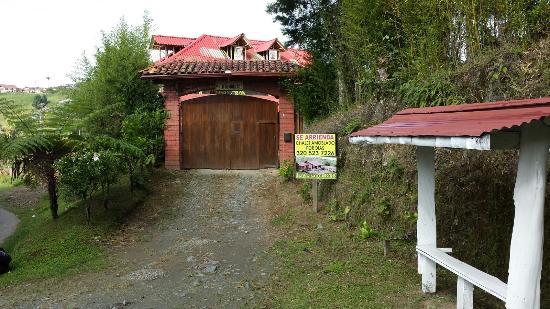 La Gaviota entrance