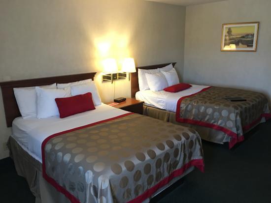 Ramada Plaza Hawthorne/LAX: Comfortable beds
