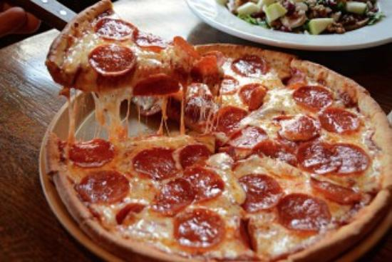 Parkville, MO: Pepperoni Pizza