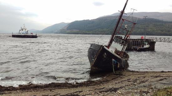 Ardgour, UK: Boat near Inn