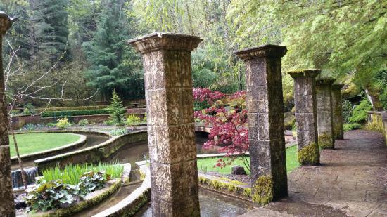 Belknap Hot Springs Lodge and Gardens : The Secret Garden at Belknap Hot Springs