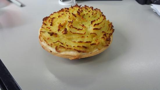 Wyong, ออสเตรเลีย: New homemade Potato pie