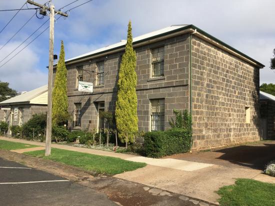 Victoria house bluestone bnb picture of victoria house for Bluestone house