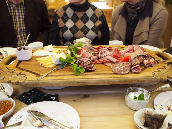 Bad Berleburg, ألمانيا: Wurst- und Käseplatte