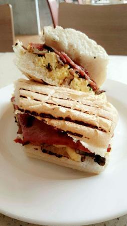 Carluccio's: breakfast