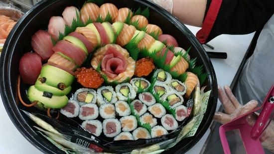 menu avec saumon photo de sushi daily le cr s tripadvisor. Black Bedroom Furniture Sets. Home Design Ideas