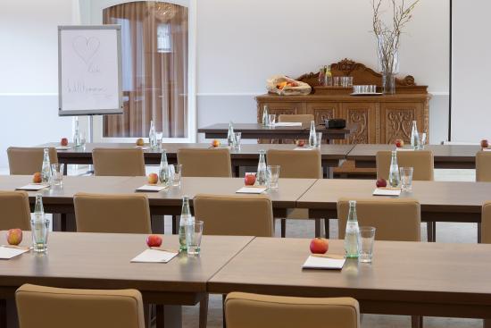 Duderstadt, Tyskland: Auch Businessreisende machen gern im DER KRONPRINZ in der Mitte von Deutschland, nahe Göttingen,