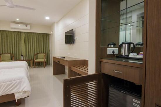 Hotel New Metropole Photo