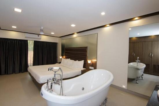 Interior - Picture of Hotel New Metropole, Lonavala - Tripadvisor