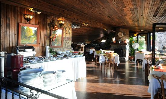 Megara Palace Hotel: BREAKFAST SALOON