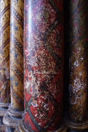 Paris, Frankreich: columns with the original colors
