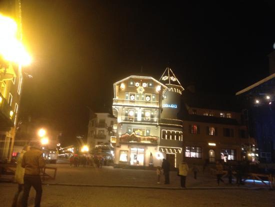Praz-sur-Arly, Francia: Megève centre la nuit