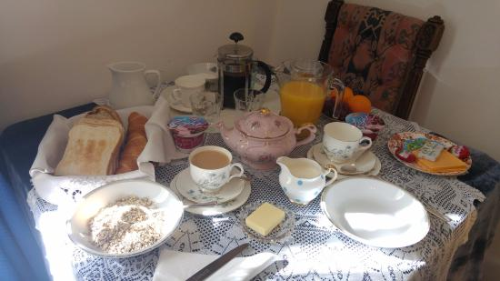 Juliette's Guest House: Some of the things you get in your room as breakfast. There is more