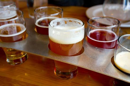 Del Mar, Kalifornia: L'Auberge_Dining_Beer